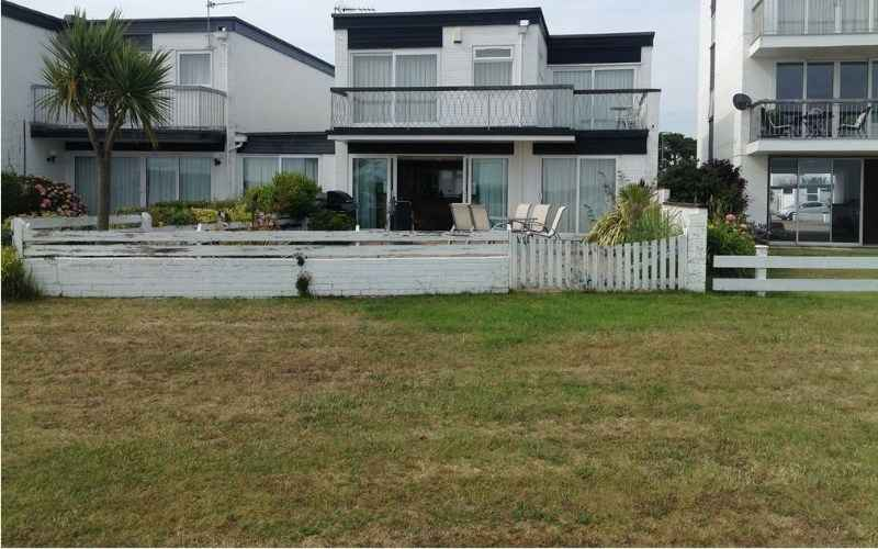 "BEACH HOUSE FOR RENT ""MUDEFORD HOUSE"""