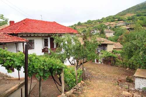 (Nice House withe the View of the Mountains Pay Monthly Ref 4882B) More Info