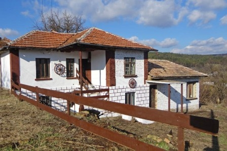 Property Near Ruse And Romania House In Katselovo
